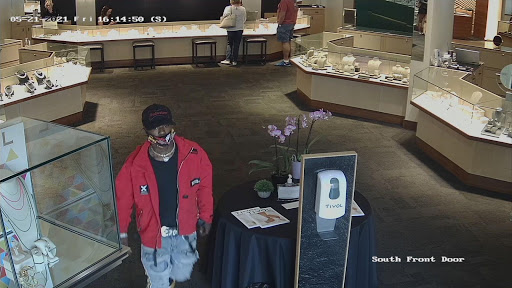 Crime Stoppers looking for Overland Park jewelry store thief