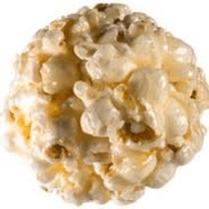 Une boule de pop-corn réalisée