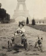 Gloria-Vanderbilt-poor-little-rich-girl