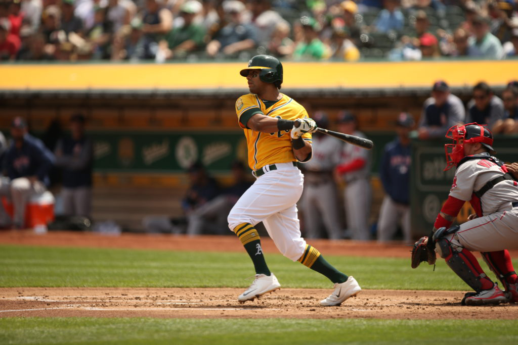 2-DH-Khris-Davis-home-run_04-22-18-0001-1-1024×683