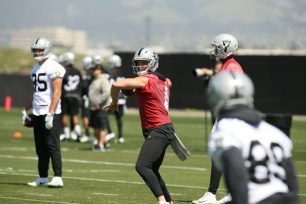 #4 Derek Carr looking for Cooper
