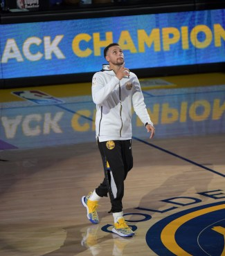 Golden State Warriors vs Oklahoma City Thunder Stephen Curry Photos by Gerome (Martinez News-Gazette)