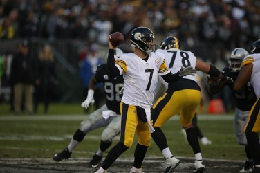 Oakland Raiders vs Pittsburgh Steelers QB #7 Big Ben Photos by Tod Fierner ( Martinez News-Gazette )