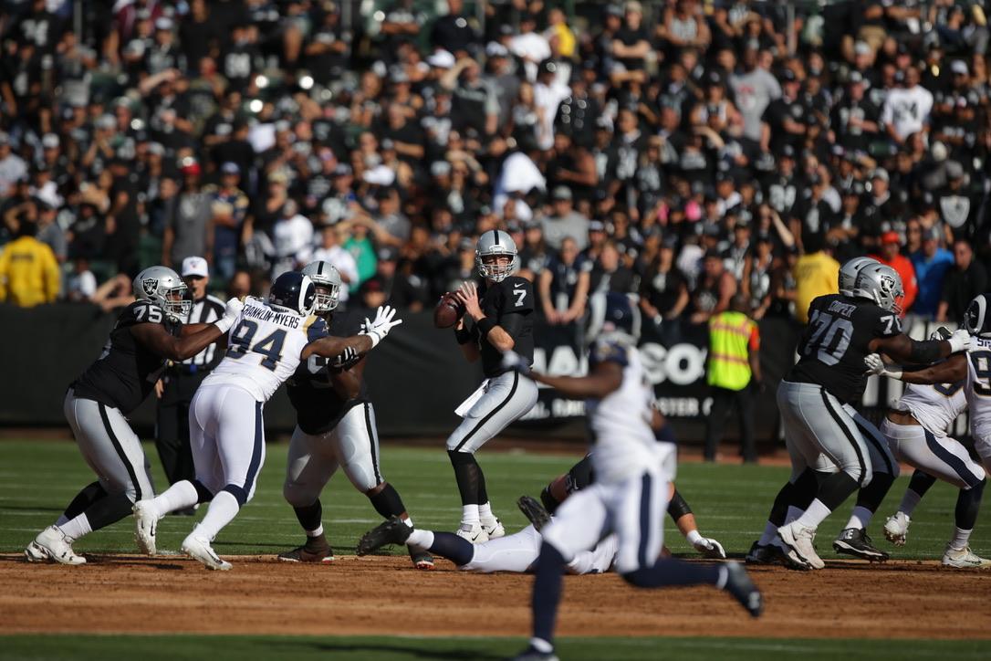 Oakland Raider vs Los Angeles Rams#7 QB Mike Glennon