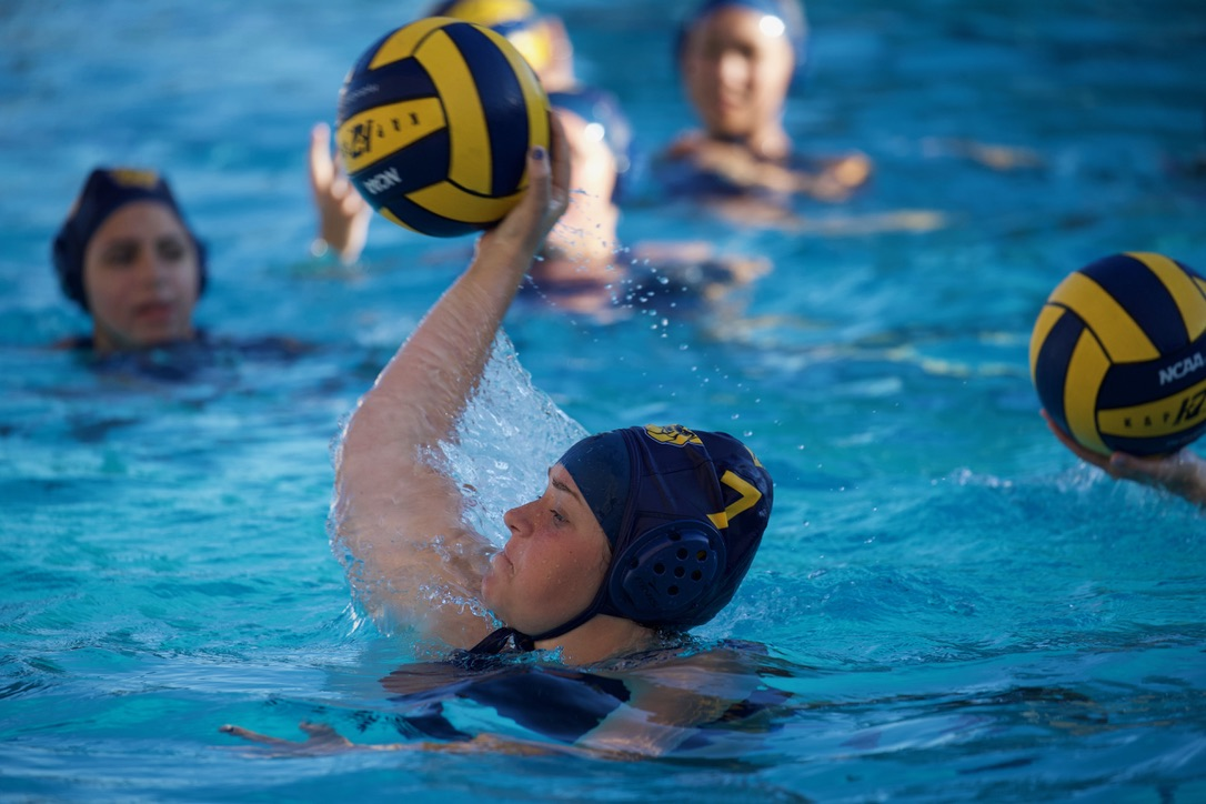 __ 10-7-19 Alhambra Girls Water Polo __0012