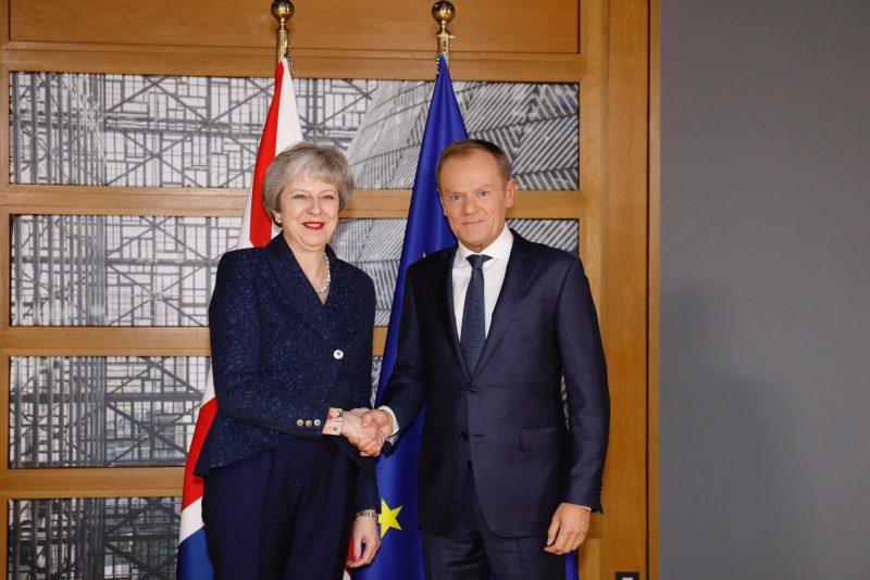 El Presidente del Consejo Europeo, Donald Tusk, con Theresa May