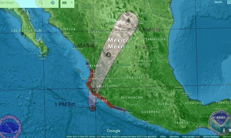 NOAA:s prognos på Patricias rörelse överlagrad på Google Earth.