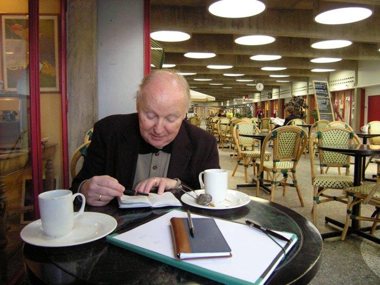 Förberedelser inför turné. Stockholm (fiket på Sveriges Radio) 31 januari 2005.