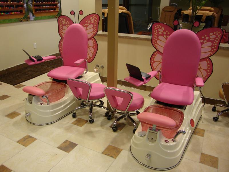 pink nail salon chairs baby bumbo chair martini nails spa the best and in omaha nebraska here at we strive to provide a relaxing environment luxurious services with most affordable town make it easy