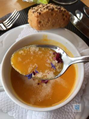 Erster Gang, die Suppe