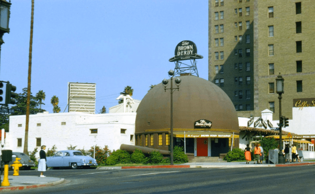 Brown Derby restaurant, Wilshire Blvd, Los Angeles, 1954