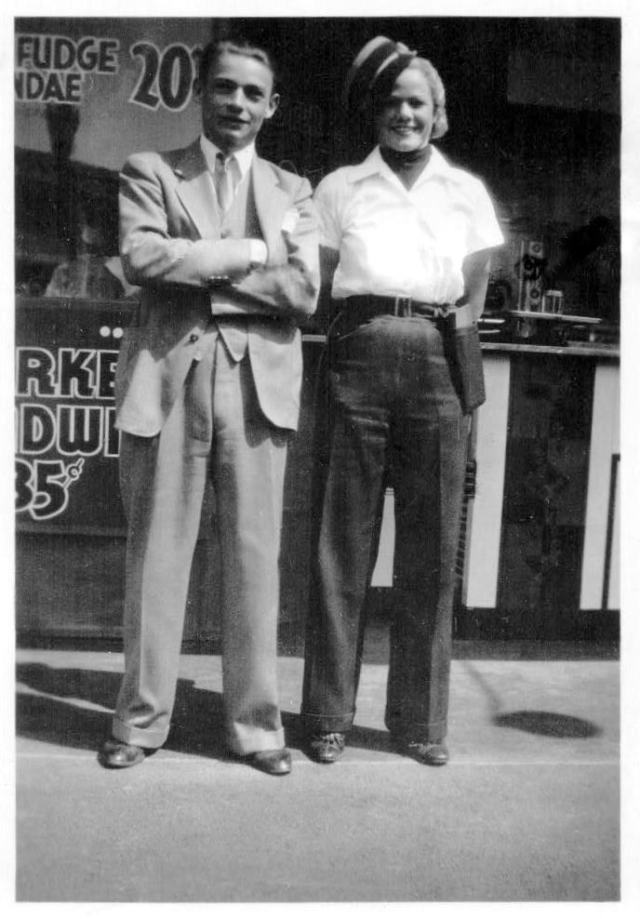 McDonnell's No. 3 NE corner Wilshire & Robertson, manager Walter Wetzel with carhop circa 1938. (Wetzel family collection)