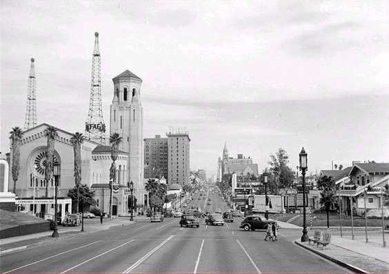 Looking east on Wilshire Blvd across Normandie Ave, Los Angeles, 1947
