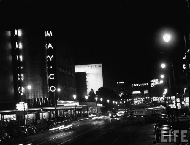 Looking east along Wilshire Blvd from Fairfax at night, Los Angeles, 1949