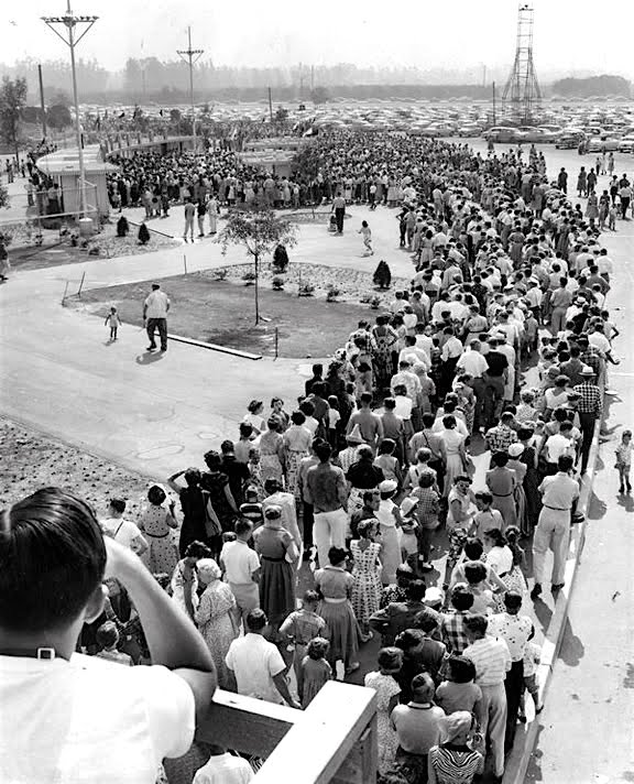 The line for Disneyland on opening day, July 17th, 1955