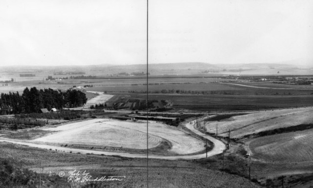 Panoramic view showing the deserted Beverly Hills countryside in 1913