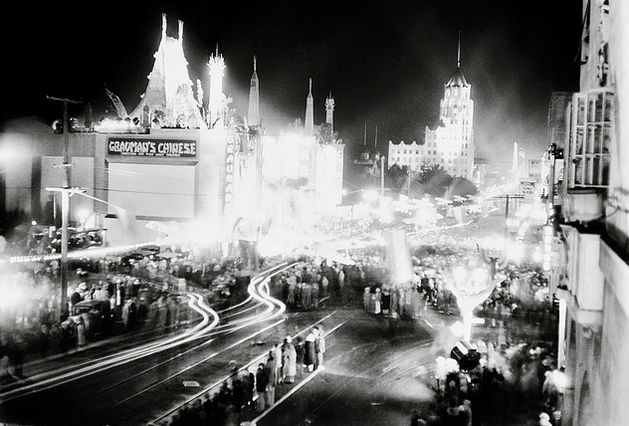 Premiere of Howard Hughes' Hell's Angels, Grauman's Chinese Theater, 24 May 1930