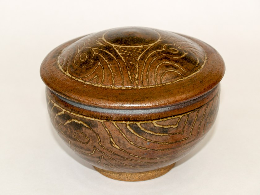 Lidded bowl with sgraffito decoration through iron slip, wood ash glaze, Martin Tyler 2018