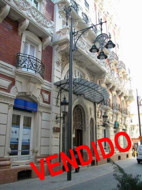 SE VENDE OFICINA EN EDIF. GRAN HOTEL (CARTAGENA)
