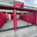 Venta duplex 2 dorm, entrada vehículo, patio. Zona Gob Crespo y Churruarín.