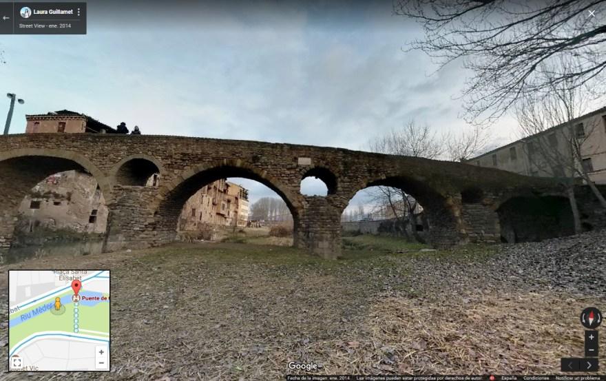 Puente de Queralt sobre el Mèder en Vic, río que pocos metros más al este, en dirección a Calldetenes, desemboca en el río Gurri.
