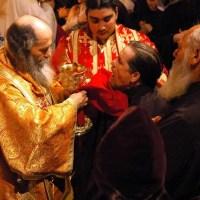 Este posibil ca Sfânta Împărtăşanie să devină cauza bolii sau a celui mai mic rău?