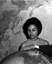 L43026 Woman and globe