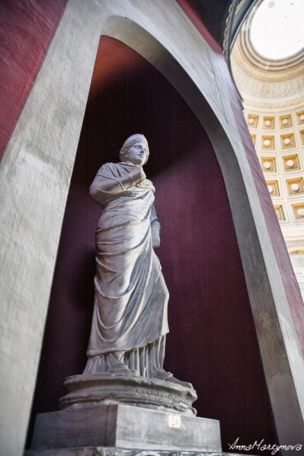 A statue in Vatican Museum
