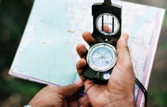 方位磁石_方向性_迷子の予防_地図を参考