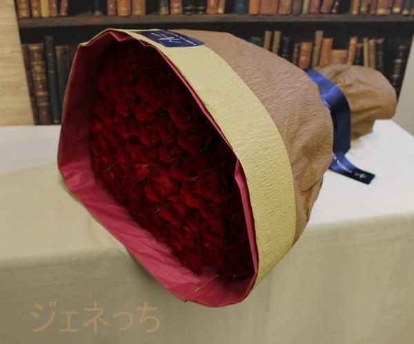 100本のバラの花束アニバーサリーローズ