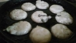 HEAT UP ADD OIL AND POUR THE BATTER AND MAKE PANIYARAMS