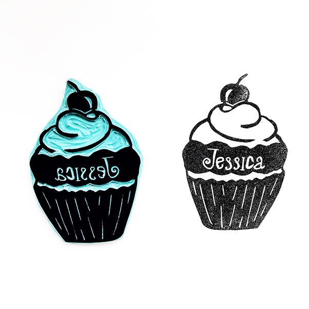 juffenstempel cupcake met de naam Jessica erin gegutst