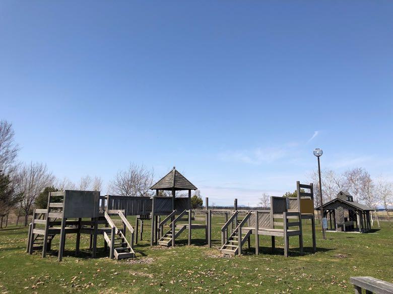 南幌町三重緑地公園キャンプ場遊具