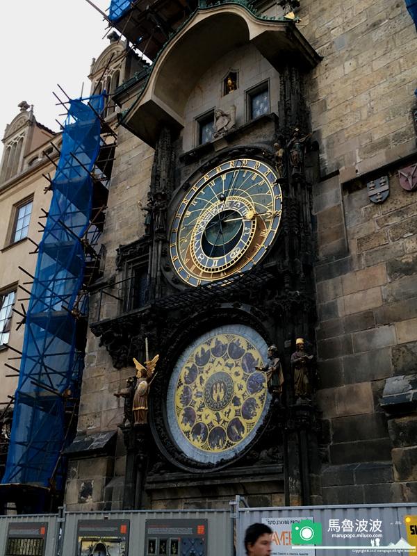 [捷克] (4) 布拉格舊城廣場-提恩教堂-聖尼古拉教堂-天文鐘 – 馬魯波波