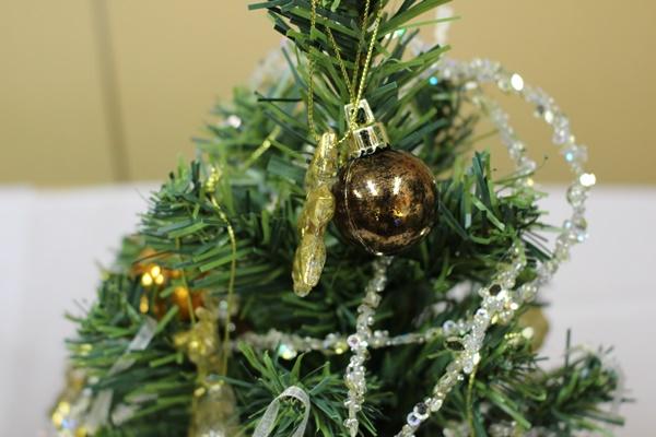ミニツリーセット「トゥインクル・ドリーマー」45cm(LEDライト付き)豪華な飾り