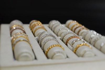 diamond-and-gold-wedding-rings-thunder-bay