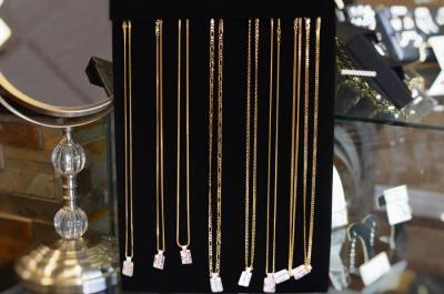 gold-chains-thunder-bay