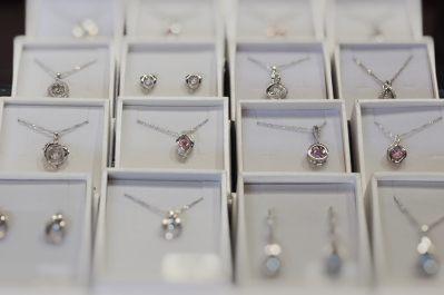 pendant-necklaces-jewellery-thunder-bay
