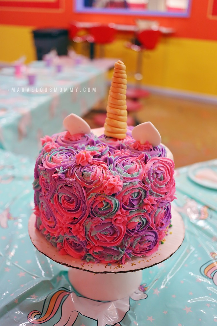 Unicorn Rainbow Cake back
