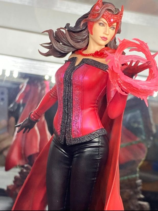 Close-Up of Scarlet Witch ARTFX Premier Kotobukiya Statue