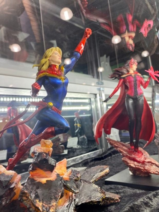 NY Toy Fair 2020 Kotobukiya Marvel ARTFX Scarlet Witch & Captain Marvel