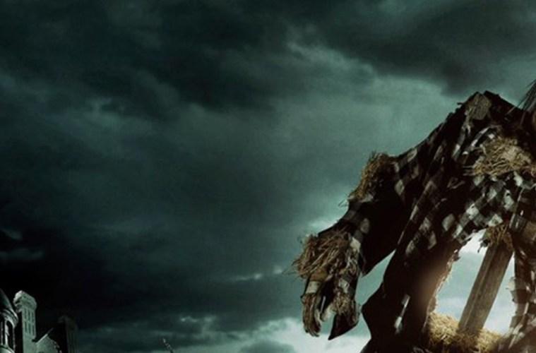 Un par de adelantos emocionan respecto a la próxima producción de Guillermo del Toro.