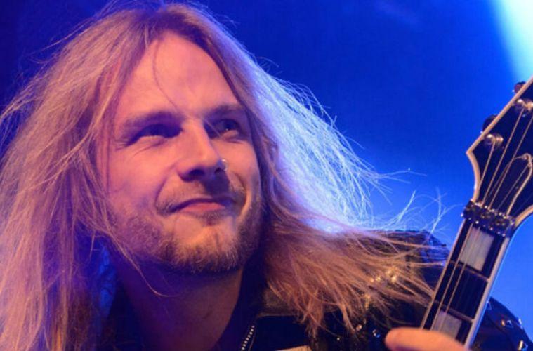 Richie Faulkner KK Downing Judas Priest pelea