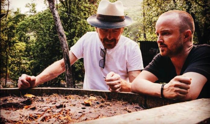 Mezcal Dos Hombres de Aaron Paul y Bryan Cranston.