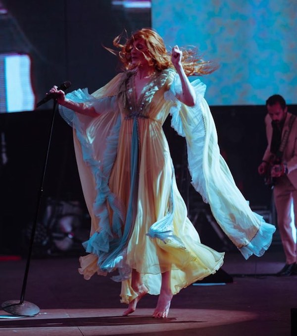 florence-machine-matrimonio-fan-novia-concierto-video-twitter