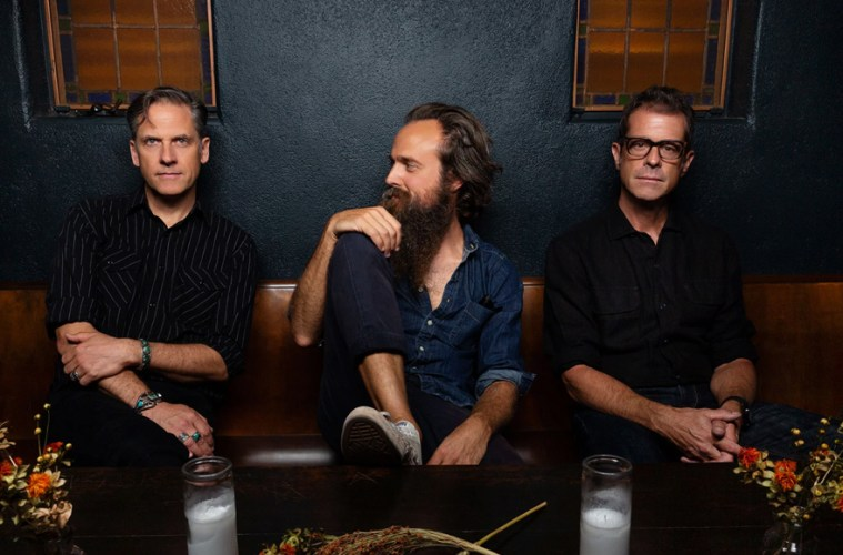 years-to-burn-colaboracion-iron-wine-calexico