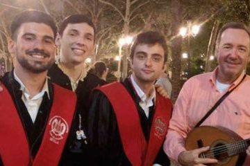 Kavin Spacey tuna Universidad de Sevilla canción La Bamba