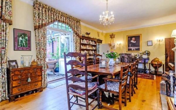 harry potter puedes vivir en su casa valle de godric airbnb