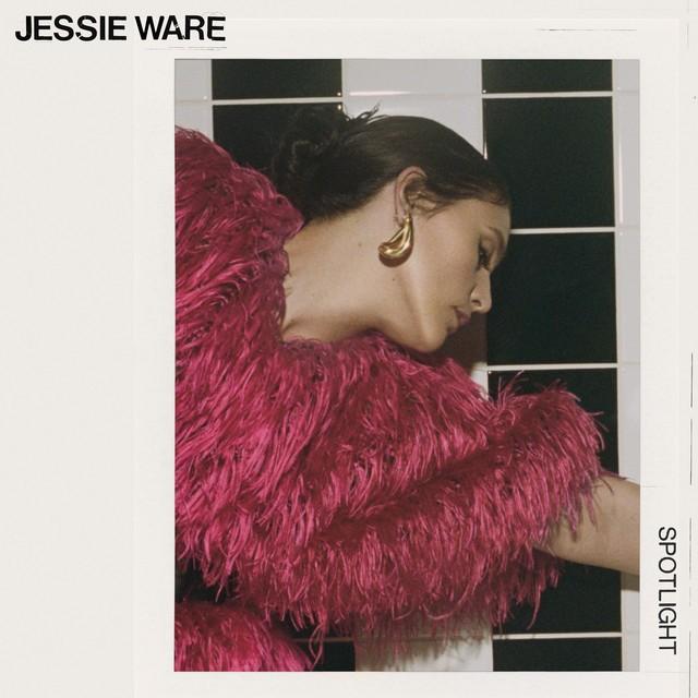 Jessie Ware estrena 'Spotlight'.