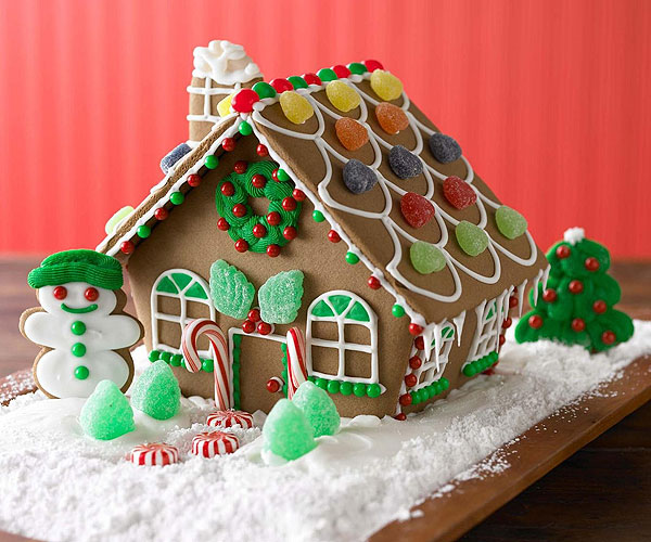 Dressing Up Your Gingerbread House